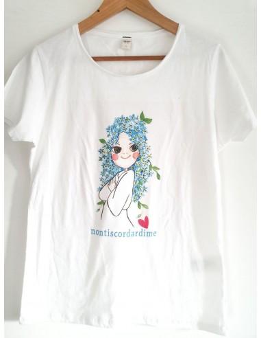 T-Shirt d'arte 'Non ti scordar di me' disegnata dall'artista Vania Bellosi